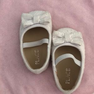 0-3 months  white shoes in excellent condition